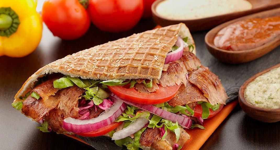 Bánh mì Thổ Nhĩ Kỳ hay còn gọi là bánh mỳ Doner Kebab