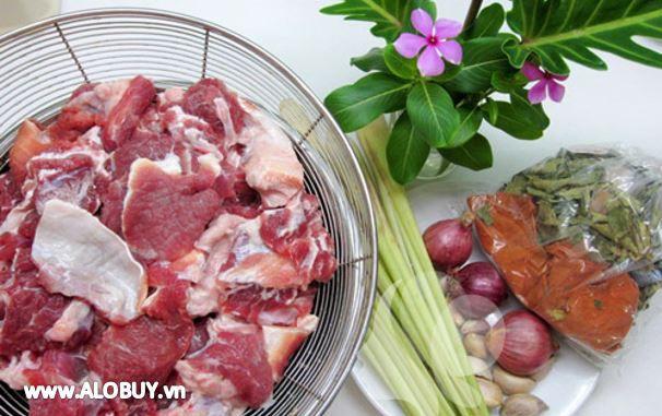 nguyên liệu chuẩn bị nấu bò kho tại nhà