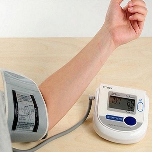 Máy đo huyết áp bắp tay Citizen CH-453-3