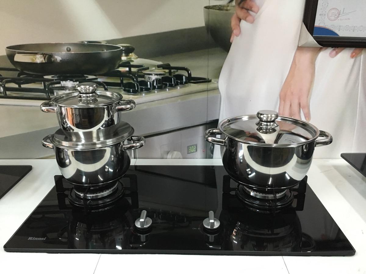 cửa hàng bán Bếp ga âm Rinnai RVB-212bg nhập khẩu nhật bản
