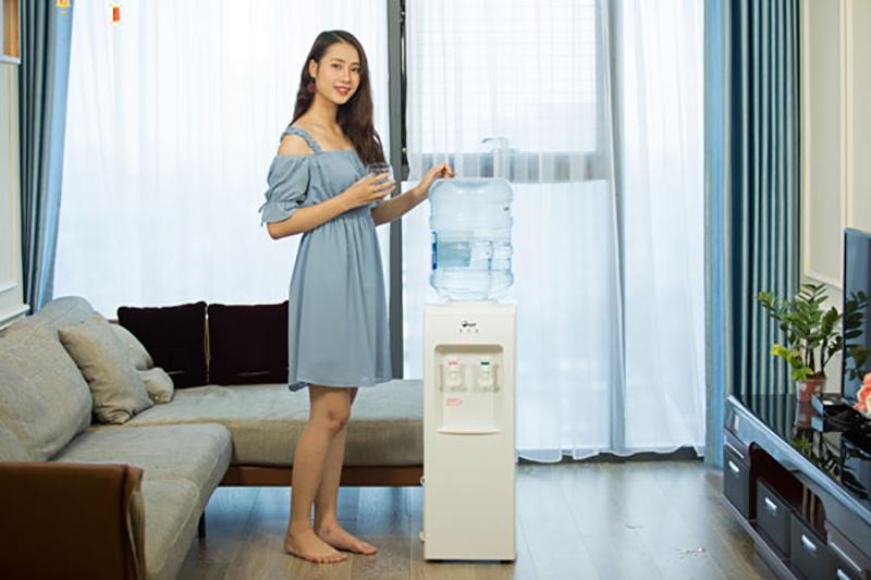 cay-nuoc-nong-lanh-fujie-wd1105e-8-26062019080727-510.jpg