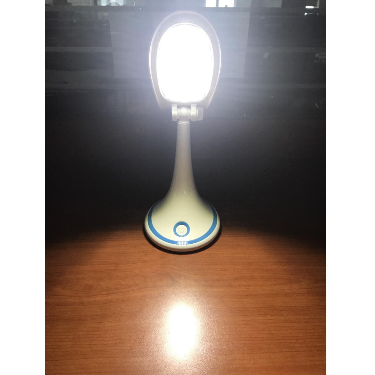 Đèn bàn LED Comet CT173B