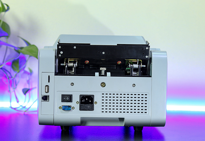 may-dem-tien-silicon-mc-7plus_phat-hien-tien-gia-4-05012019111344-299.jpg