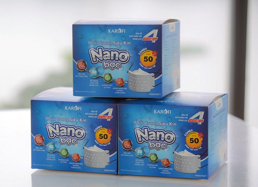 khau-trang-y-te-khang-khuan-nano-than-hoat-tinh-karofi-4-lop-loc-11-13042020155204-622.jpg