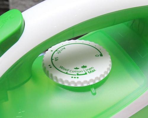 Bàn ủi hơi nước Panasonic NI-P250TGRA-3