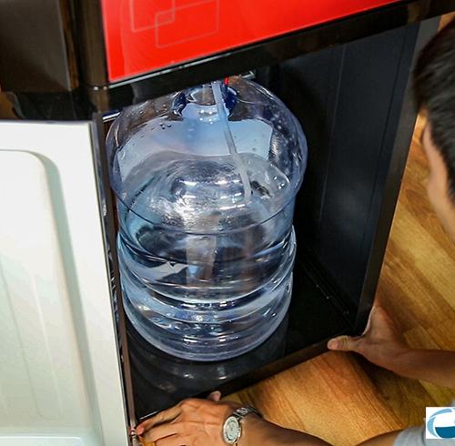 Cây nước nóng lạnh kết hợp bàn pha trà, cafe FujiE WD3000C-3